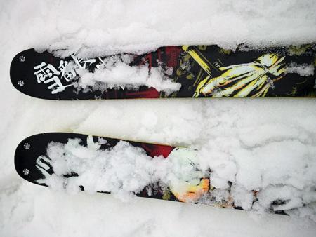 せめてひとなみに。-(4) この日の雪質.JPG